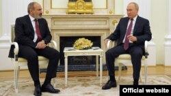 Oktyabrın 12-də Rusiya prezidenti Vladimir Putin Ermənistanın baş naziri Nikol Paşinyanı qəbul edib