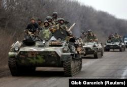 Українські військові після відходу з Дебальцева