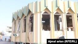 مسجد سیدآباد در شهر کندز که نمازگزاران در آن هدف حمله انتحاری قرار گرفتند