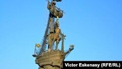 Monumentul lui Petru cel Mare de Zurab Tsereteli la Moscova