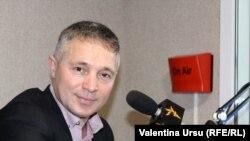 Teodor Cârnaț, expert în drept constituțional