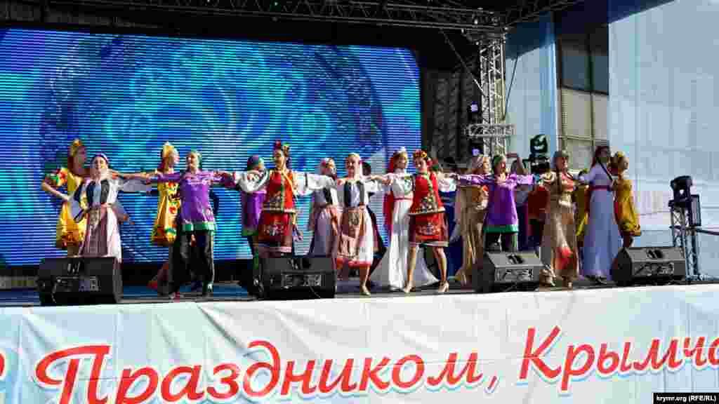 Концерт к российскому «Дню народного единства» в Симферополе