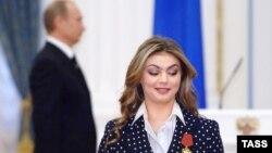 Алина Кабаева, қаҳрамони олимпӣ оид ба варзиши сабук