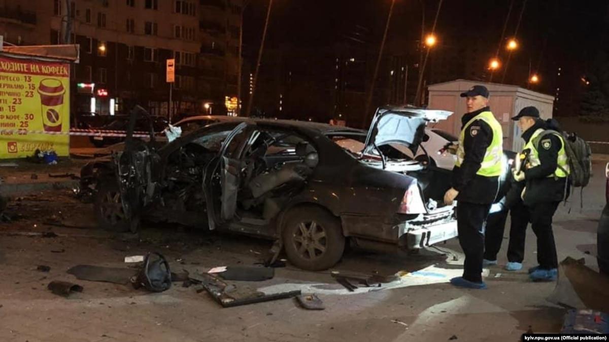 В Киеве взорвался автомобиль, один человек ранен – полиция