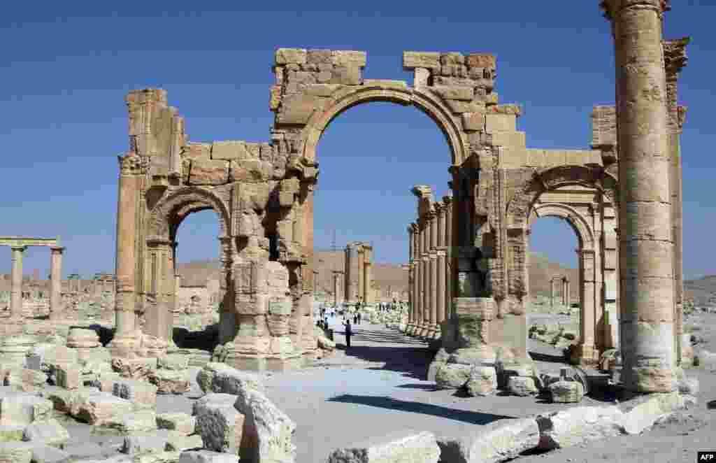 More Roman ruins. Palmyra became increasingly prosperous after the Romans took control at the beginning of the 1st century.