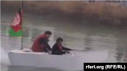 قایق ساخته شده توسط یک افغان در دریای بغلان به حرکت درآمد