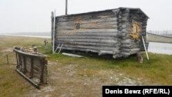 Стойбище (база) оленеводов Айанчаан на берегу Ледовитого океана в 120 километрах от ближайшего населенного пункта.