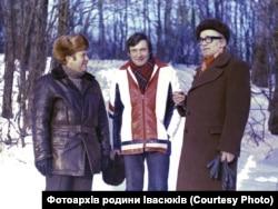 Поет Ростислав Братунь, Володимир Івасюк, тато композитора Михайло Івасюк