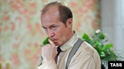 Актер Андрей Панин в роли доктора Ватсона в сериале о Шерлоке Холмсе