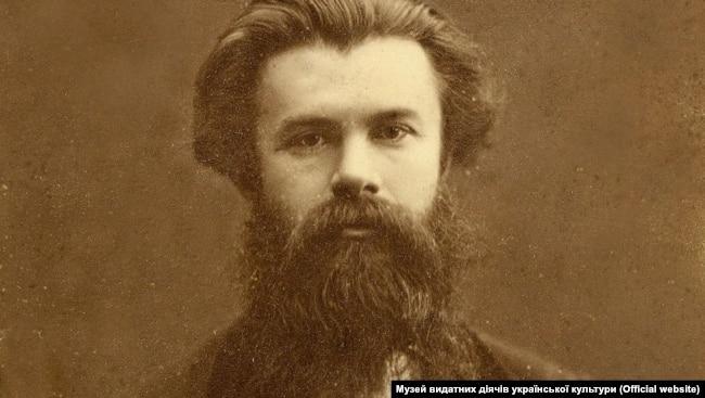 Михайло Драгоманов (1841–1895) – український публіцист, історик, філософ, економіст, літературознавець, фольклорист, громадський діяч. Дядько Лесі Українки. Фото 1870-х років