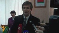 Раманчук адказвае на пытаньні журналістаў