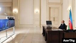 ილჰამ ალიევი დამოუკიდებელ სახელმწიფოთა თანამეგობრობის (СНГ) წევრი ქვეყნების მეთაურთა საბჭოს ვიდეოშეკრებაზე, 2020 წლის 18 დეკემბერი.