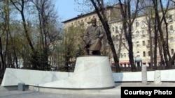 Памятник Абаю Кунанбаеву в Москве
