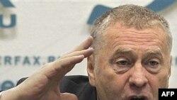 На XX съезде партии Жириновский обещает пролить свет и покончить с тьмой