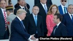Foto nga arkivi, presidenti i SHBA-së, Donald Trump dhe presidenti francez, Emmanuel Macron.