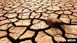رئیس سازمان هواشناسی ایران از ۴۰ درصد کمبود بارش در ۱۷ استان ایران در طول دو ماه گذشته خبر داده است.