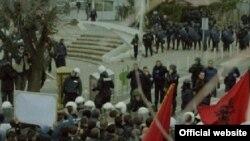 Pamje nga protestat e 10 shkurtit.