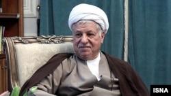 دفتر آیت الله رفسنجانی رسانه های حامی دولت را به دروغ پردازی متهم کرده است.