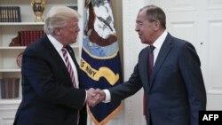 Дональд Трамп и глава российского МИДа Сергей Лавров в Белом доме. Вашингтон, 10 мая