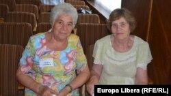 Aurelia Cărare and Ludmila Ceapă, foste deportate.