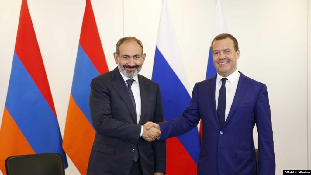 В Санкт-Петербурге состоялась встреча Никола Пашиняна и Дмитрия Медведева
