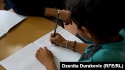 Akcenat u školama stavljen na učenje bosanskog jezika