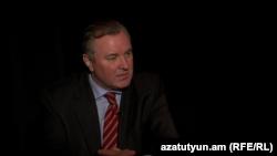 Чрезвычайный и Полномочный посол Украины в Армении Иван Кухта, Ереван, 9 марта 2014 г.