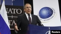 Керівник російського МЗС на зустрічі Росія-НАТО в Брюсселі 8 грудня 2011 року