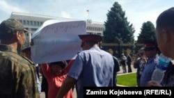 Азиза Абдирасулова пикетте. 16/05/2016