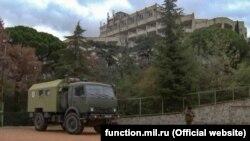 Російські військові прибули до Ялти для розгортання «ковідного» госпіталю, 24 грудня 2020 року