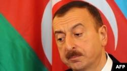 Ильхам Алиев во время пресс-конференции в Праге, 5 апреля 2012