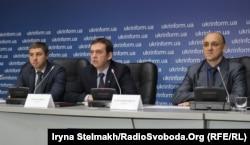 Адвокати екс-беркутівців Олександр Горошинський, Стефан Решко та Ігор Варфоломеєв.