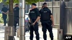 Crnogorska policija na ulicama Podgorice