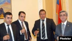 Կոալիցիայի մասին համաձայնագրի ստորագրման արարողությունը, Երեւան, 21-ը մարտի, 2008թ.