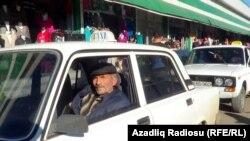 Система лицензирования таксистов была отменена еще в 2002. С того времени количество таксомоторных единиц в столице увеличилось в десятки раз. Большинство этих автомобилей непригодны к эксплуатации, и в сочетании с неопытностью многих водителей возникает серьезная угроза безопасности пассажиров