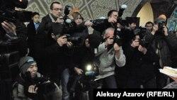 Казахстанские журналисты. Иллюстративное фото.