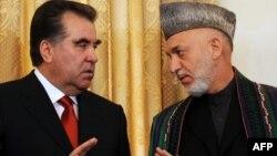 Тәжікстан мен Ауғанстан президенттері Эмомали Рахмон мен Хамид Карзайдың кездесуі. Кабул, 25 қазан 2010 жыл.