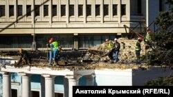 Демонтаж будівлі Театру ляльок, Сімферополь, 21 лютого 2018 року