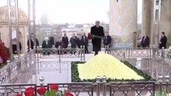 Атамбаев возложил цветы к могиле Ислама Каримова