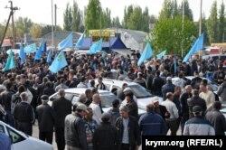 Кримські татари на пункті пропуску «Турецький вал», 3 травня 2014 року