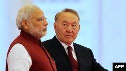 Қазақстан президенті Нұрсұлтан Назарбаев (оң жақта) пен Үндістан премьер-министрі Нарендра Моди. Астана, 8 шілде 2015 жыл.