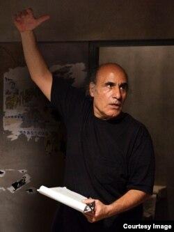 امیر نادری کارگردان فیلمهایی چون «دونده» و «آب باد خاک» سالهاست در آمریکا زندگی میکند