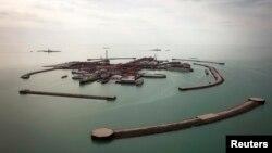 Каспий теңізіндегі Қашаған мұнай кен орны. 7 сәуір 2013 жыл. (Көрнекі сурет)