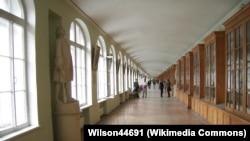 Коридор здания Двенадцати коллегий СПбГУ