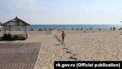 Пляж у Криму, илюстративне фото