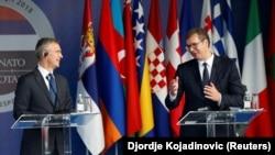 Generalni sekretar NATO-a Jens Stoltenberg i predsjednik Srbije Aleksandar Vučić