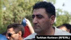 Армяндық әріптесін өлтірді деп сотталған Әзербайжан офицері РАмиль Сафаров. Баку, 31 тамыз 2012 жыл.
