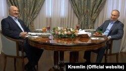 Владимир Путин и Александр Лукашенко на встрече в Сочи. 7 февраля 2020 года