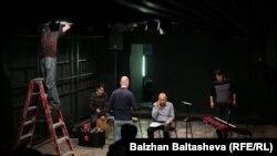 Репетиция перед концертом Едила Кусаинова. Алматы, 15 января 2016 года.