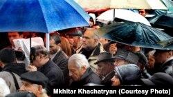 Հայաստան -- Հանրային քննարկում Ազատության հրապարակում, Երեւան, 17-ը մարտի, 2013թ․ Լուսանկարը՝ Մխիթար Խաչատրյանի